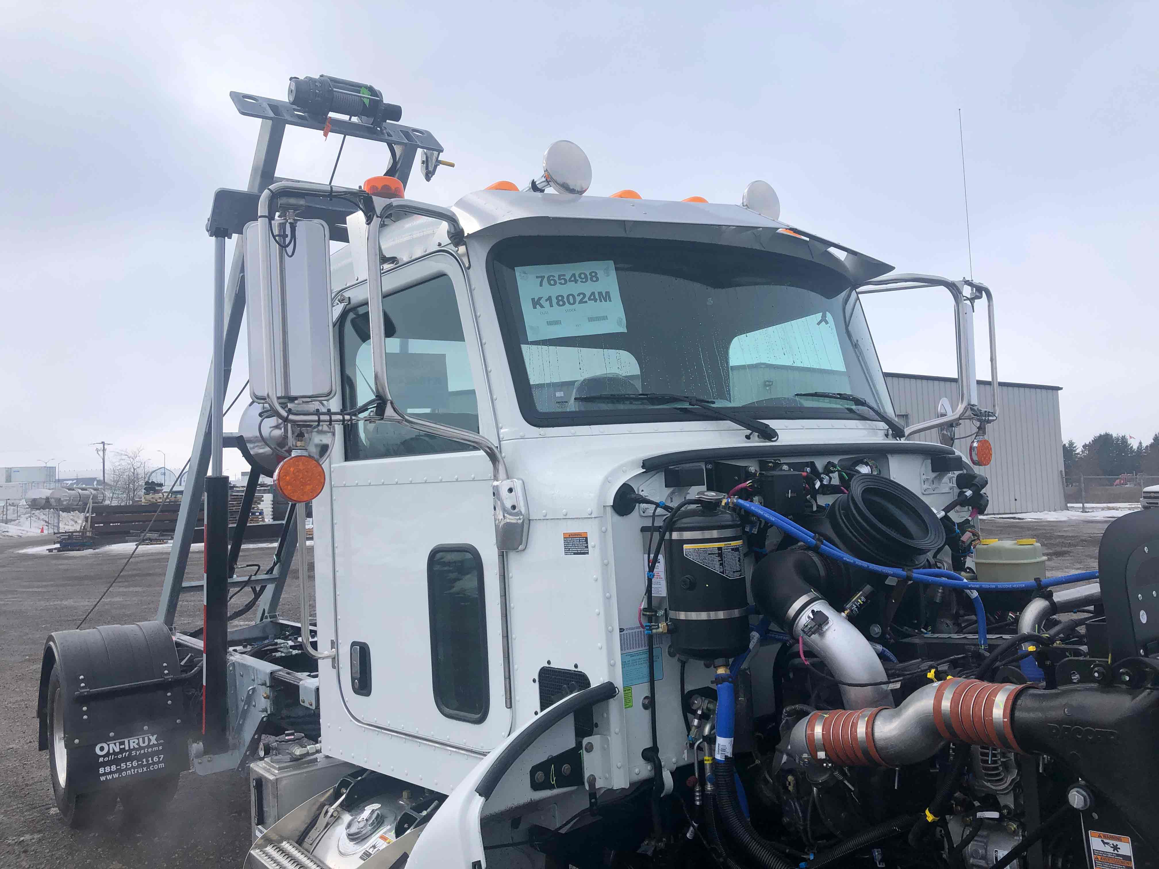 FOR SALE 2021 PETERBILT 337 14′ ON TRUX SYSTEM18