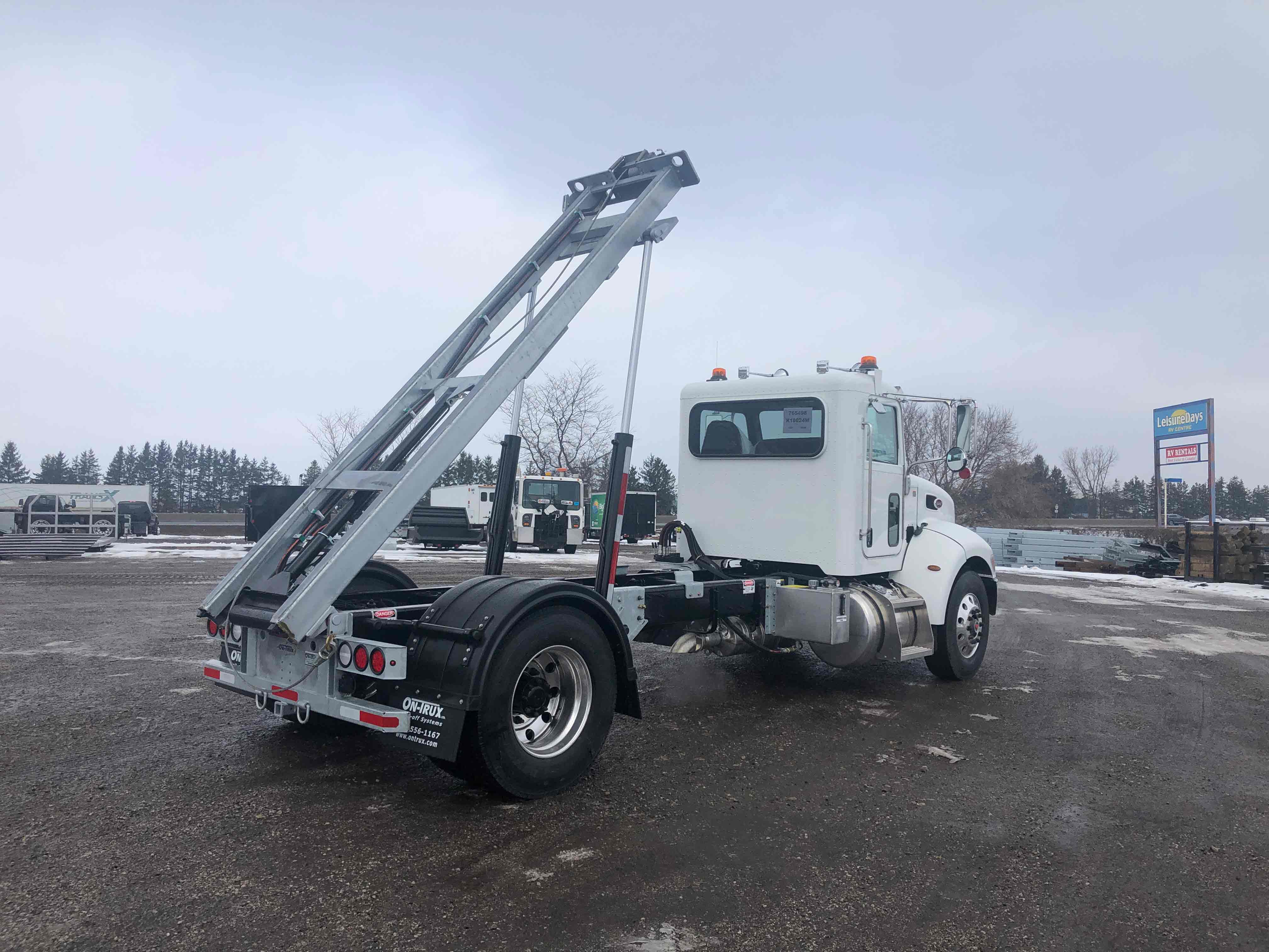 FOR SALE 2021 PETERBILT 337 14′ ON TRUX SYSTEM5