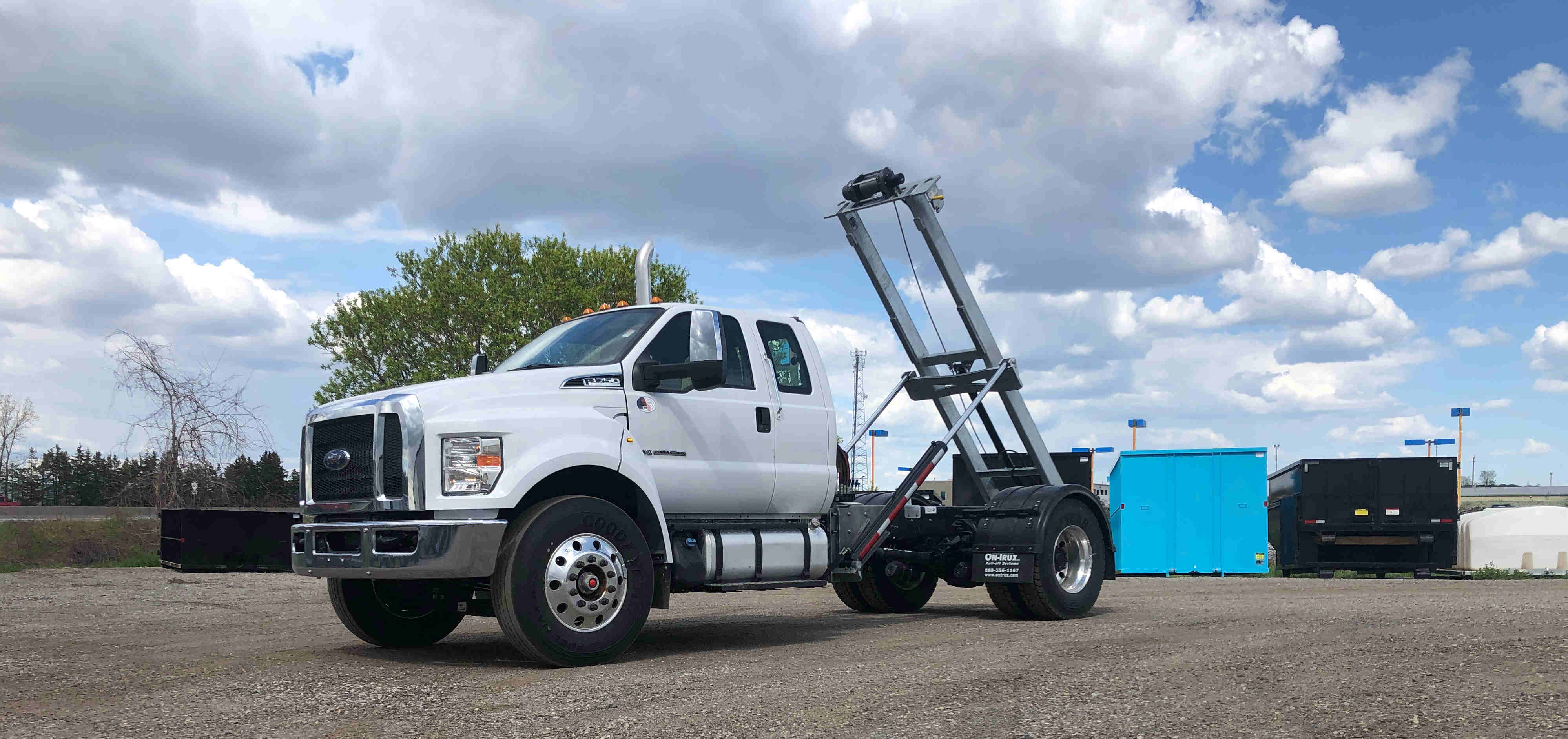 2021 Ford F750 12 On Trux System White (1)
