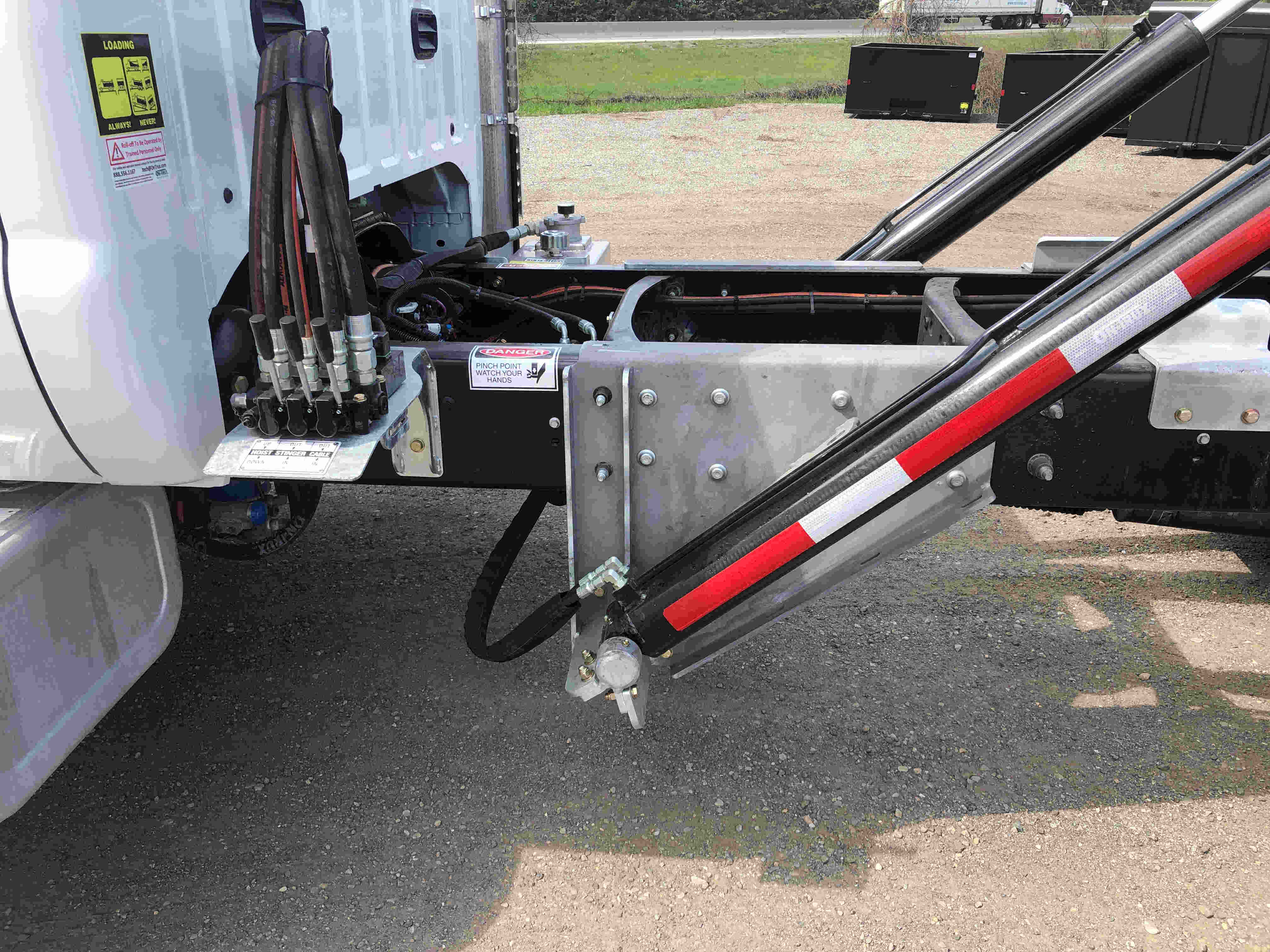 2021 Ford F750 12 On Trux System White (2)