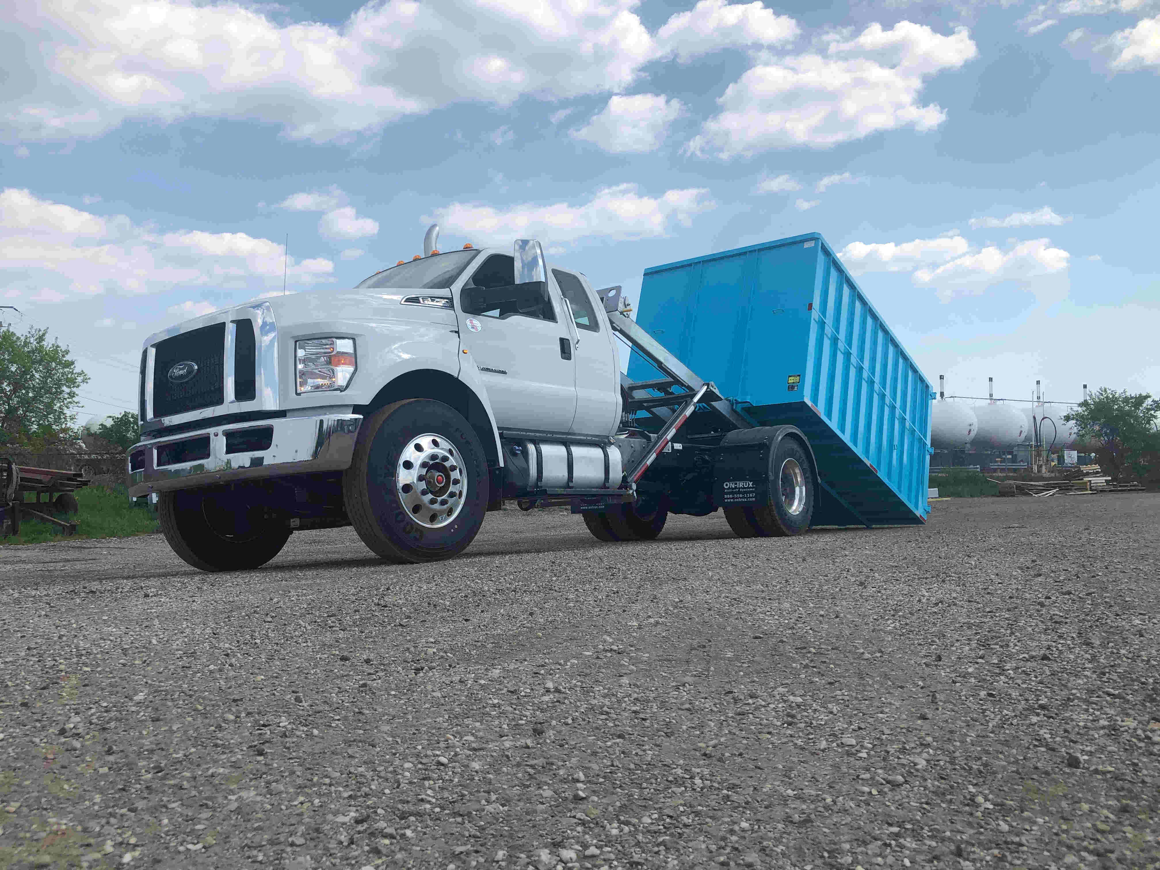 2021 Ford F750 12 On Trux System White (20)