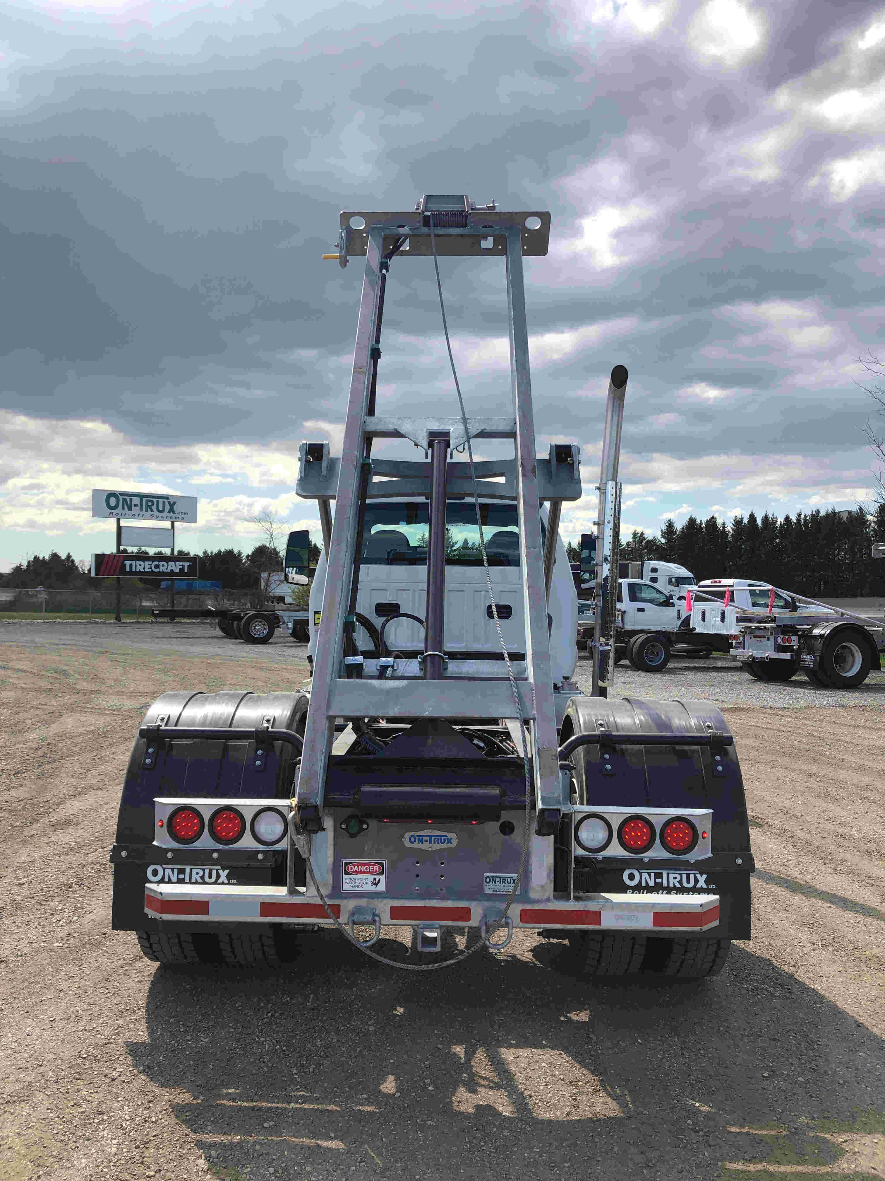 2021 Ford F750 12 On Trux System White (5)