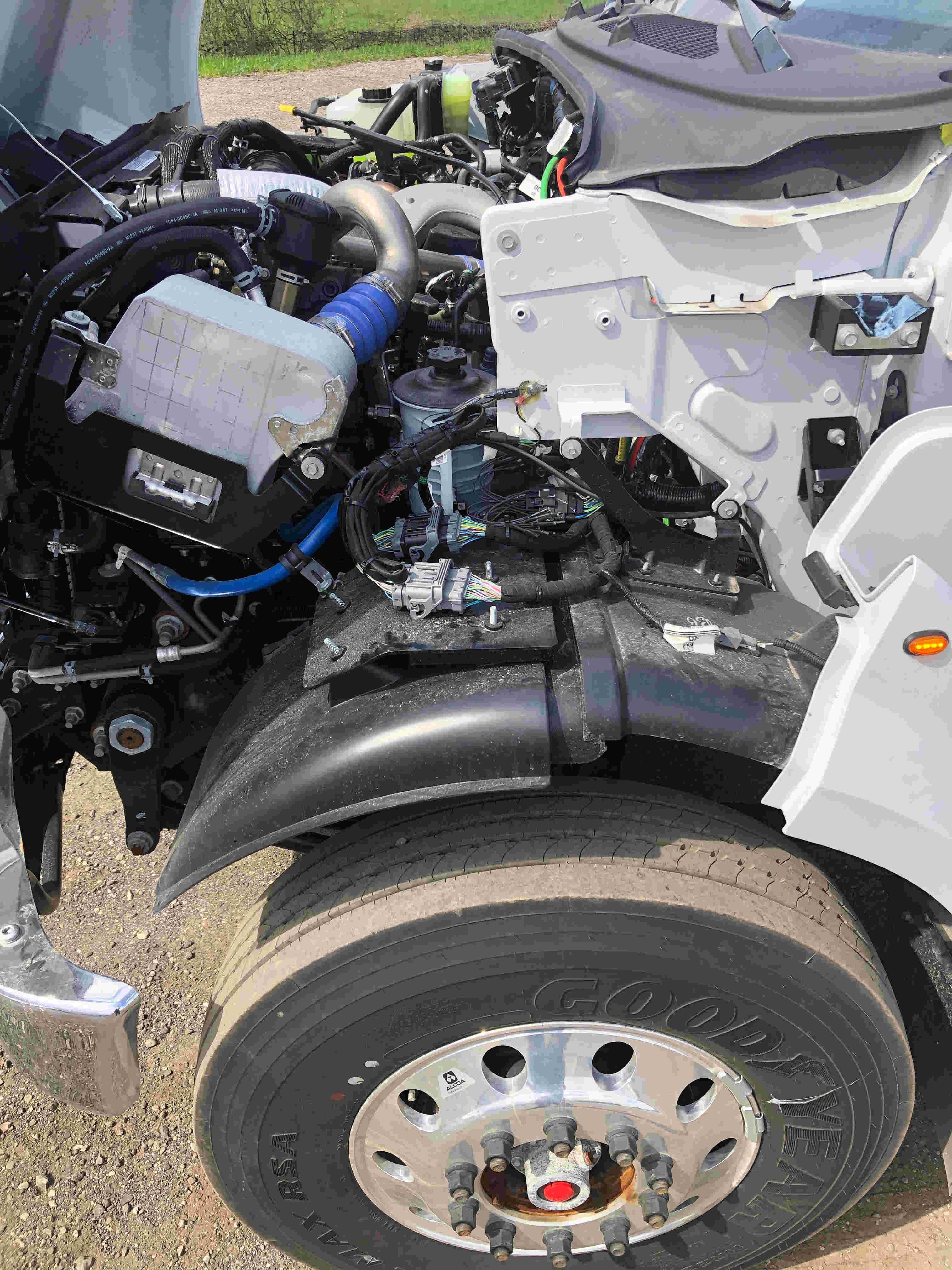 2021 Ford F750 12 On Trux System White (8)