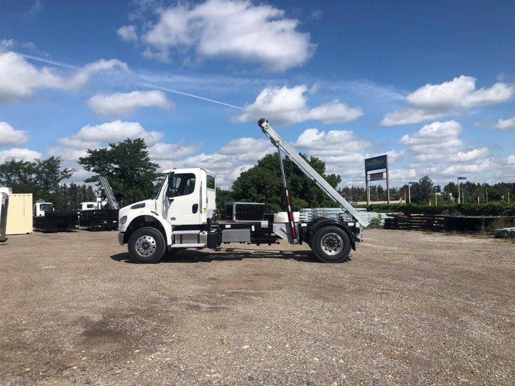 2020 FREIGHTLINER M2 14′ SINGLE AXLE ON TRUX SYSTEM (13)