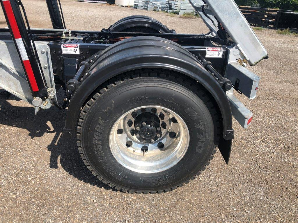 2020 FREIGHTLINER M2 14′ SINGLE AXLE ON TRUX SYSTEM (17)